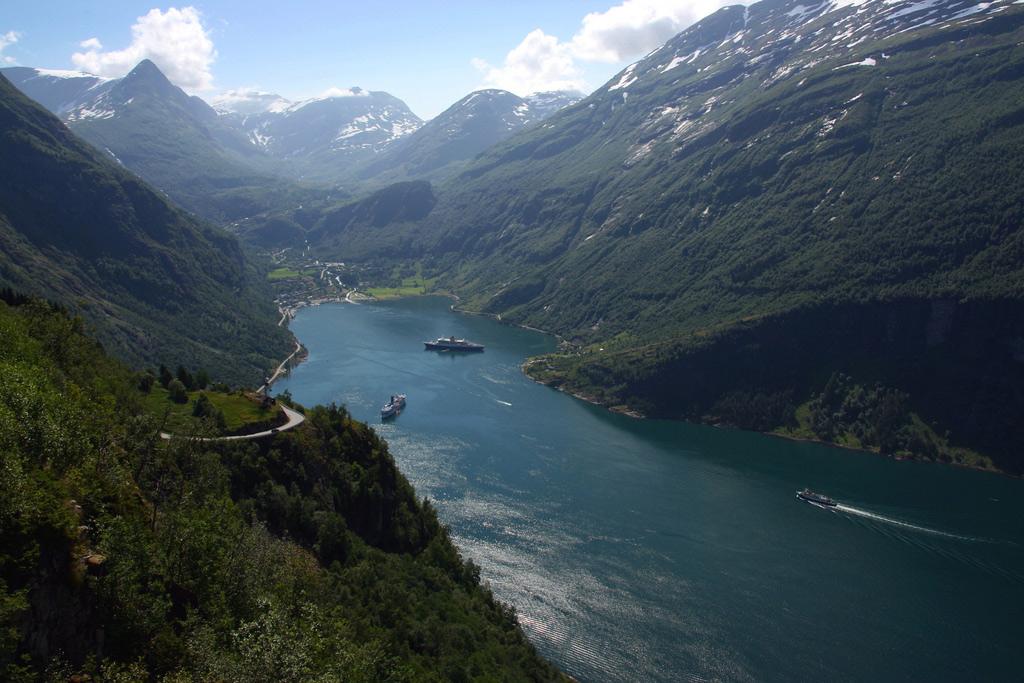 Гейрангер-фьорд Норвегия